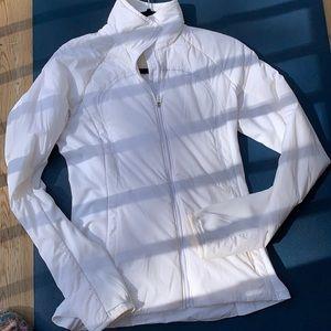 Lululemon puffer coat size 6
